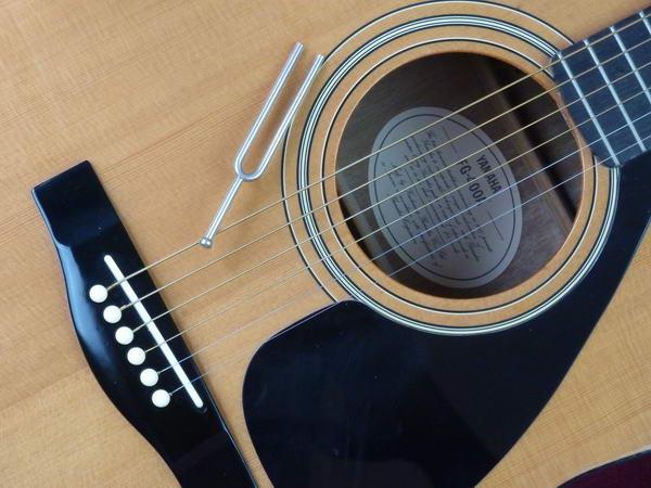 Gitarre stimmen ohne Stimmgerät