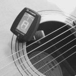 Gitarre stimmen auf Kammerton a1 mit 432 Hz - Elektronisches Stimmgerät